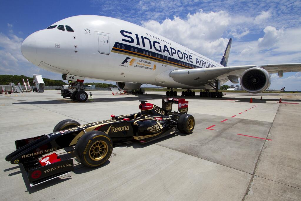 Next Year Calendar Sia : Singapore airlines name sponsor f business travel